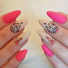 1250 Likes 16 Comments Alina Hoyo Nail Artist ( on Inst Cute Acrylic Nails, Acrylic Nail Designs, Cute Nails, Pretty Nails, Bling Nails, Gold Nails, Swag Nails, Henna Nails, Henna Nail Art