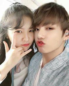 Jungkook x Yeri Ulzzang Korean Girl, Ulzzang Couple, Cute Couple Art, Best Couple, Kpop Couples, Cute Couples, South Korean Girls, Korean Girl Groups, Jungkook Selca