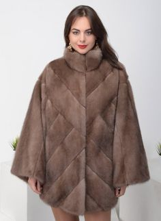Норковая шуба Гавана 01, КАЛЯЕВ Fur Fashion, Winter Fashion, Womens Fashion, Fur Clothing, Mink Fur, Winter Wear, Classy Outfits, Capes, Dress To Impress