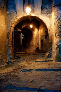 Under the Bavarian Clock Tower (Sighisoara, Romania). To Infinity And Beyond, Abandoned Places, Belle Photo, Tudor, Paths, Places To Go, Beautiful Places, Scenery, Around The Worlds