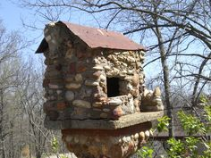 fab stone birdhouse- close up