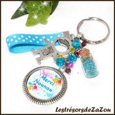 """Porte clefs """"merci nounou"""" avec cabochon - cadeau d'un petit garçon à sa nourrice"""