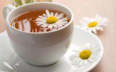 El té es una infusión, pero no todas las infusiones son té. Algunas de ellas se hacen con otras plantas, por ejemplo: rosa mosqueta, frutos rojos, manzanilla, peperina, boldo y hasta el rooibos, y son llamadas tisanas o infusiones en general. Manual del Sommelier de Té. Bisgono, V. Pettigrew, J.