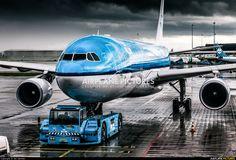 KLM Airbus photo by Jan Jasinski 747 Airplane, Civil Aviation, Boeing 747, Air Travel, Photo Online, Airports, Utrecht, Spacecraft, Military Aircraft
