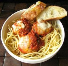 "Slow Cooker Chicken Parmesan ""Meatballs"" Slow Cooker Chicken Pasta, Stew Chicken Recipe, Chicken Pasta Recipes, Chicken Parmesan Meatballs, Crock Pot Meatballs, Slow Cooker Recipes, Crockpot Recipes, Meatball Recipes, Food"