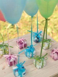 Per una comunione a colori, ecco le bomboniere ideali per maschio o femmina.