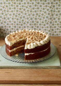Try Mary Berry's take on carrot cake which uses agave syrup and maple syrup as sweetenersAvoiding refined sugar? Try Mary Berry's take on carrot cake which uses agave syrup and maple syrup as sweeteners Bake Off Recipes, Easy Cake Recipes, Sweet Recipes, Baking Recipes, Dessert Recipes, Desserts, Bbc Recipes, Mary Berry Carrot Cake, Sugar Free Carrot Cake