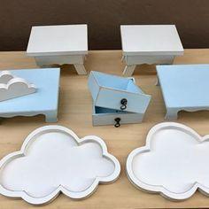 Amamos a delicadeza das nuvens e com os detalhes em azul a composição fica ainda mais linda! ☁️💙 . . . Vem! Aki Tem Festa! 🎈 . . .  #nuvens #batizado #anjosenuvens #alugueldepecas #decoracaocriativa #decoracaoinfantil #festa #festabh #festalagoasanta #mamaefesteira #akitemfesta #akitemfestadecor Cake Holder, Flamingo, Coasters, Baby Shower, Instagram, Blue Accents, Creative Decor, Industrial Kids Decor, Cloud