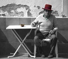 Siesta Ingeseidel/Timeline Images #Durst #Getränk #trinken #Drinks #drink #hot #summer #thirsty #durstig #Siesta #Hut #Mann #Menschen #entspannen #Mittagspause #Ruhepause #historisch #historical #traditional #traditionell #retro #nostalgic #Nostalgie