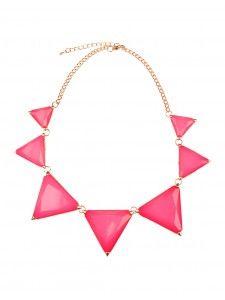 COLLIER GÉO-NÉON BOGO 50% Prix Régulier: $11.50 Les formes géométriques sont ultra tendances cette saison! Rehaussé d'une couleur néon, ce collier pourra se porter avec tous tes ensembles!