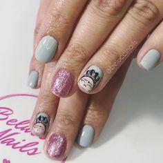 Holis nuevamente yo . Estas uñitas con Fridi son más tiernas!!!. El color gris claro es tan bello!!!!  tú que dices te gusta el gris ? O eres más de los colores clásicos??  cuéntame !!! . #sebelucci #beluccinails #viñadelmar #lasuñasmaslindas Nails, Instagram, Beauty, Grey Colors, Finger Nails, Ongles, Beauty Illustration, Nail, Nail Manicure