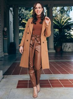 How to Look Expensive on a Budget / Geekglamma Monochrome Outfit, Monochrome Fashion, Classy Outfits, Stylish Outfits, Cute Outfits, Winter Fashion Outfits, Fall Winter Outfits, Classy Winter Fashion, Meghan Markle Outfits
