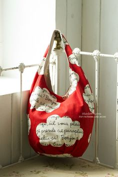 DIY hobo bag. Handmade Hobo Bag design of bag found from a fabric ...