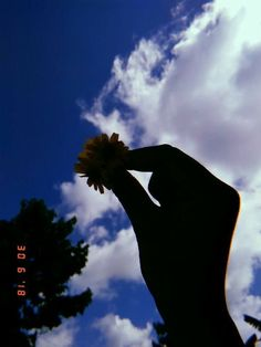 Behold the beauty of the sky . Shadow Photography, Portrait Photography Poses, Tumblr Photography, Creative Photography, Portraits, Foto Piercing, Fred Instagram, Sky Aesthetic, Aesthetic Photo