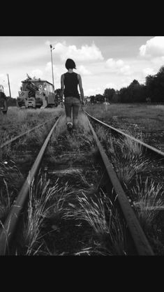 Railway Black&white by lilipass