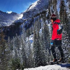 Winter in Colorado is gorgeous as you may know so we recommend getting out and exploring! Maybe even do some snowshoeing like @runwithpatrick #repost from his page
