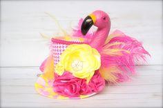 9261114f037a8 12 Best flamingo top hat images in 2019   Flamingo top, Flamingos ...
