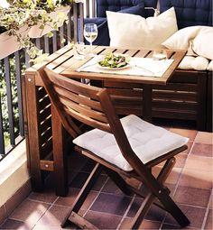 IKEA ÄPPLARÖ utemöbler i brunlaserad akacia.