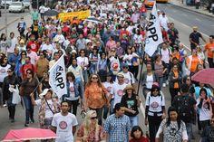 JORNAL REGIONAL EXPRESS: Policiais e professores em greve entram em confron...