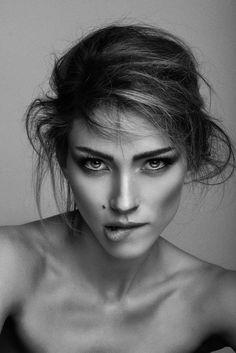 Picture of Diana Villas Boas Photo Portrait, Portrait Poses, Studio Portraits, Female Portrait, Black And White Portraits, Black And White Photography, Girl Face, Woman Face, Mujeres Tattoo