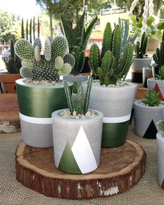 & Diy Outdoor Planters Ideas ✔ Diy Outdoor Planters IdeasYou can find Planters and more on our website.& Diy Outdoor Planters Ideas ✔ Diy O. Diy Planters Outdoor, Cement Planters, Concrete Pots, Concrete Garden, Large Planters, Planter Ideas, Painted Plant Pots, Painted Flower Pots, Cement Flower Pots