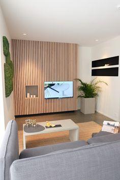 Bilderesultat for spilevegg Living Room Modern, Kitchen Living, Interior Architecture, Interior Design, Wood Cladding, Kitchen Flooring, Dining Room Table, Future House, Lounge