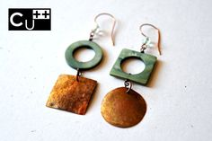 """Circle and square"": handmade twins copper earrings with crystal and nacre beads by aes Cyprium"