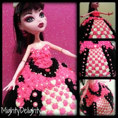 Mighty Delighty: Finally a Monster High Cake. Tortas Monster High, Monster High Cakes, Monster High Party, Monster High Birthday Cake, Birthday Cake Girls, Birthday Cakes, Birthday Ideas, Cupcakes, Cupcake Cakes