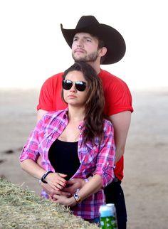 Pin for Later: Baby-Boom in Hollywood Mila Kunis 4 Jahre nachdem Mila Kunis und Ashton Kutcher gemeinsam in der Die wilden Siebziger auftraten, erwarten die beiden nun ihr erstes Kind.