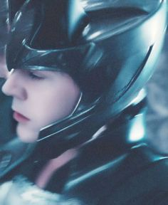 Tom Hiddleston as Loki in Thor | Chaotic evil never looked so good :)