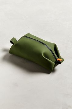 Shop Tooletries Koby Dopp Kit at Urban Outfitters today. We carry all the latest styles, colors and brands for you to choose from right here. Tote Bags, Backpack Bags, Leather Wallet, Leather Bag, Colani, Le Pilates, Dopp Kit, Small Leather Goods, Leather Craft
