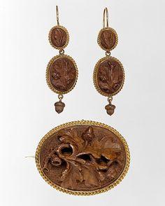Earrings Tiffany & Co.  Oak & Gold ca. 1856