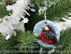Décoration de sapin, médaillon avec oiseau (christmas ornament) - Pâte polymère Fimo (polymer clay) - 2012 - Myriam Lakraa Créations