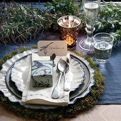 Festive place-setting.- Homes&Gardens-Christmas-table-6