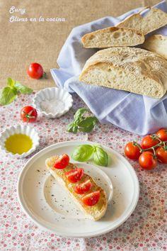 Pan ciabatta o chapata Ciabatta, Kitchenaid, Cupcakes, Pan Bread, Caprese Salad, Bread Recipes, Dips, Appetizers, Ethnic Recipes
