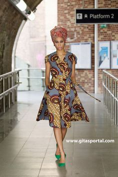 Queen African impression wrap dress GITAS portail par GitasPortal
