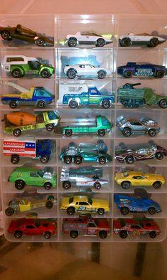 Old Hot Wheels Custom Hot Wheels, Vintage Hot Wheels, Hot Wheels Cars, Matchbox Car Storage, Matchbox Cars, Childhood Toys, Childhood Memories, Hot Wheels Display, Toys R Us Kids