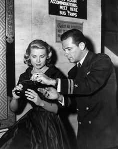 Grace Kelly & William Holden (What a perfectly elegant couple.)