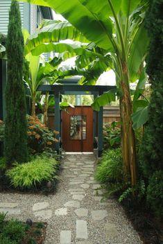 55+ Beautiful Modern Japanese Garden Landscape Ideas http://seragidecor.com/55-beautiful-modern-japanese-garden-landscape-ideas/