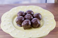 Only one carb each for a decadent, easy truffle? You bet your bottom dollar, baby.