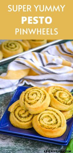 The easiest dinner roll you've ever made, these pesto pinwheels sandwich rich basil pesto Quick Recipes, New Recipes, Amazing Recipes, Delicious Recipes, Favorite Recipes, Crescent Roll Dough, Crescent Rolls, Patriotic Crafts, Patriotic Party