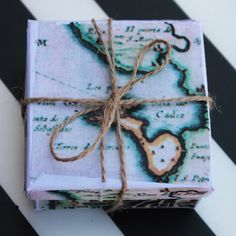 Regalo, caja con mapas antiguos Cadiz, Gift Wrapping, Silver, Gifts, Old Maps, Wrap Gifts, Wrapping, Paper Wrapping, Presents