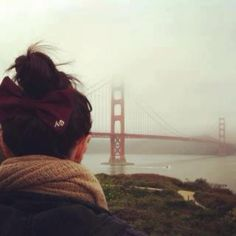 APhi bow and the Golden Gate = perfection Alpha Phi Sorority, Sorority Life, Sisters Forever, Cute Photography, Let Your Hair Down, Delta Zeta, Greek Life, California Travel, Adventure Is Out There