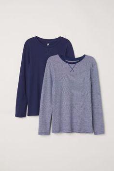 Long-sleeved shirts in organic cotton jersey. Jersey Shirt, T Shirt, New Outfits, Dark Blue, Long Sleeve Shirts, Organic Cotton, Pullover, Boys, Sweaters