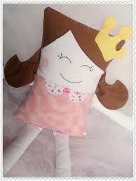 Resultado de imagem para almofada naninha carinha de menina Fabric Art, Fabric Crafts, Doll Toys, Baby Dolls, Reusable Things, Pillow Pals, Baby Pillows, Sewing Dolls, New Dolls