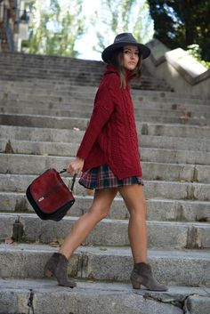 in love with this burgundy fall outfit