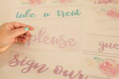 Learn how to print your own custom sayings for the Heidi Swapp Lightbox! Diy Décoration, Easy Diy, Lightbox Letters, Licht Box, Make Your Own Sign, Light Board, Marquee Letters, Heidi Swapp, Crafty Craft