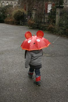 Even the youth understands the draw of the red umbrella. Cute Umbrellas, Umbrellas Parasols, Red Umbrella, Under My Umbrella, Walking In The Rain, Singing In The Rain, I Love Rain, Going To Rain, Cute Mouse