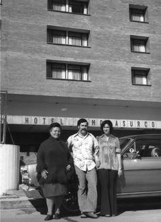 Juan Pablo Escobar renunció a su nombre y se puso Sebastián Marroquín. Hijo del famoso narcotraficante Pablo Escobar Gaviria, tomó la decisión poco después del 2 de diciembre de 1993, cuando el Bloque de Búsqueda de las fuerzas armadas colombianas mató a su padre y los brazos delCártel de Medellín