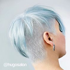 I just had to post another shot of @doug_theo's cloudy blue sky #pixiecut on @leangamine. She's always up for something cool. ☄☁️❄️ #hugosalon…